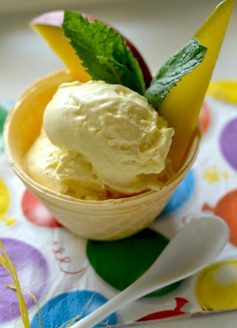 domowe lody bez maszynki, lody o smaku mango przepis