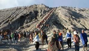 Inilah Tempat Wisata di Jawa Timur Yang Populer - Suku Tengger