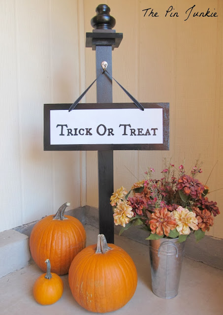 Halloween Porch Sign Mod Podge