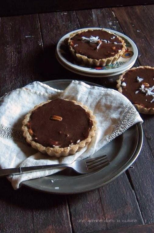 Chocolate Coconut Cream Tartlets | une gamine dans la cuisine