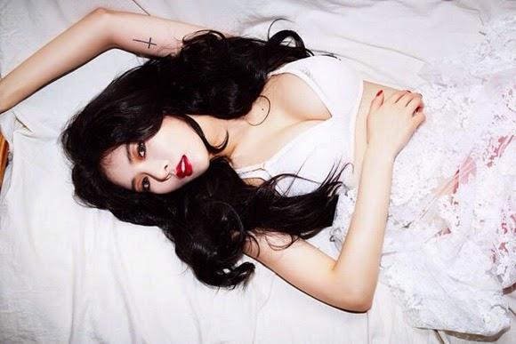 HyunA liên tục ''đốt mắt'' fan bằng loạt ảnh comeback nóng bỏng