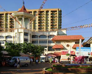 Wesak eve at Maha Vihara Brickfields KL 2012