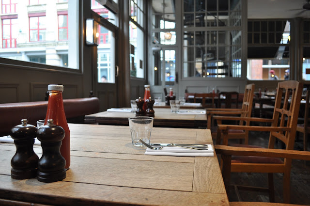 Princess+of+Shoreditch+review+Old+Street+British+food+seating