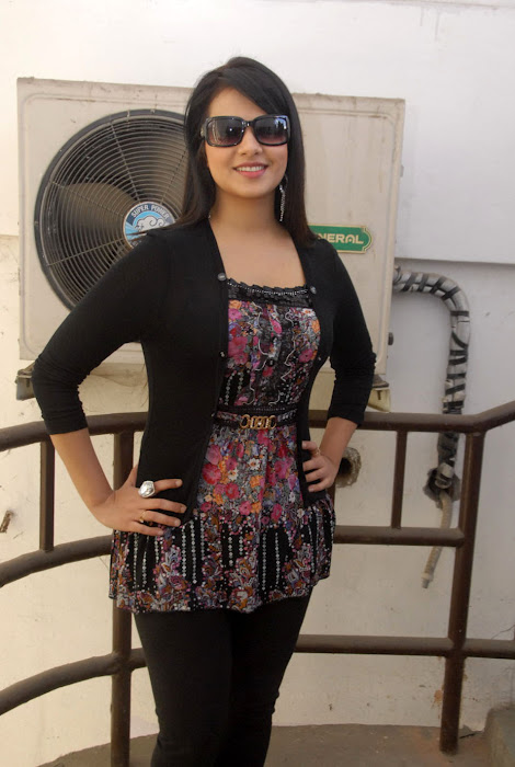 saloni new , saloni latest photos