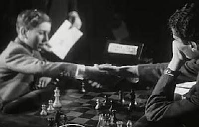 Pomar saludando a Ribeiro en el I Encuentro Ibérico de Ajedrez 1945