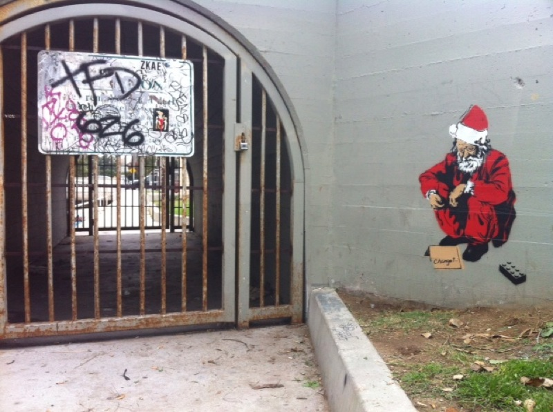Resultado de imagem para graffiti banksy santa