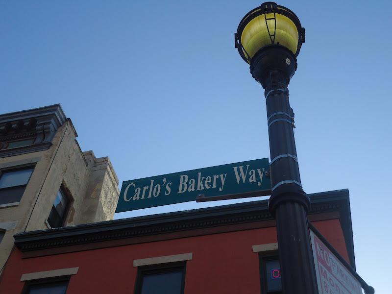 ... un paseo por un la Pastelería de Carlos, el famoso rey de las tartas