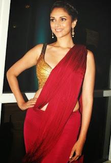 Aditi Rao Hydari in Spicy Maroon Saree and Golden CHoli   Wazir Actress Aditi Rao Hydari