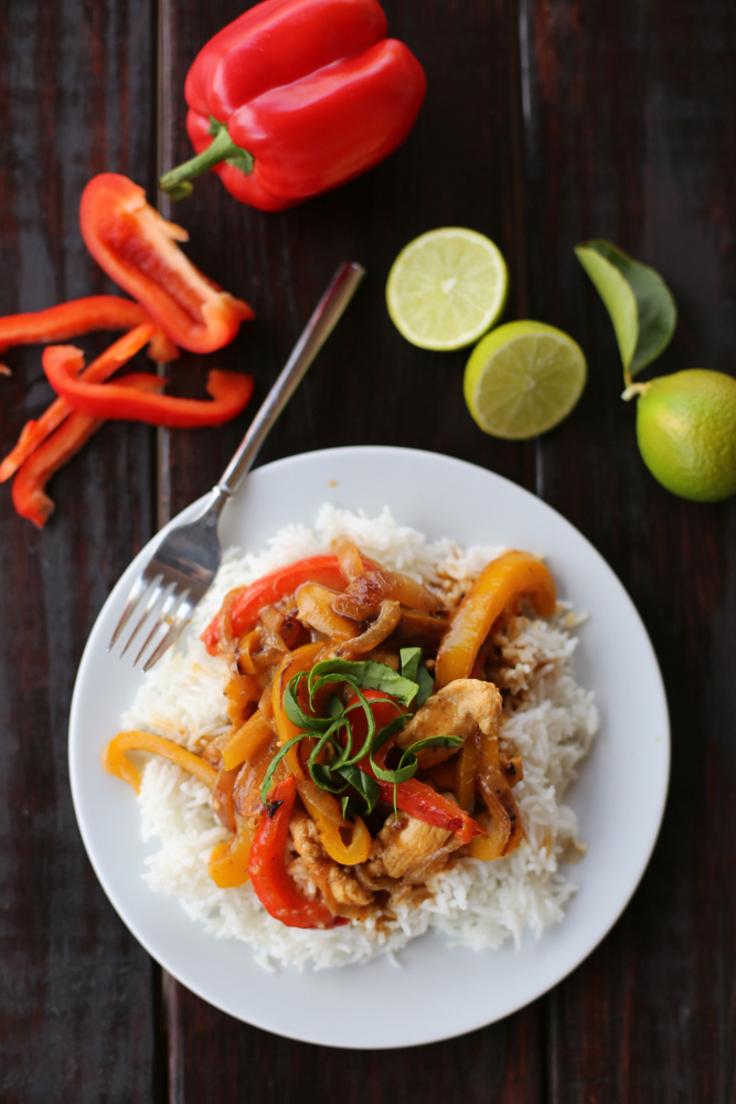 Make this amazing and easy Thai chicken curry at home - who needs takeout?!