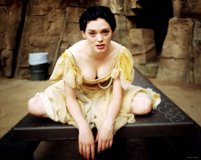 Actress Rose McGowan Photos Gallery