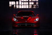 2013 SRT Dodge Viper front
