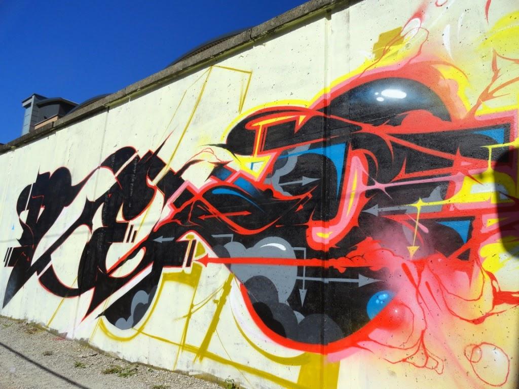 defo tsunami graffiti