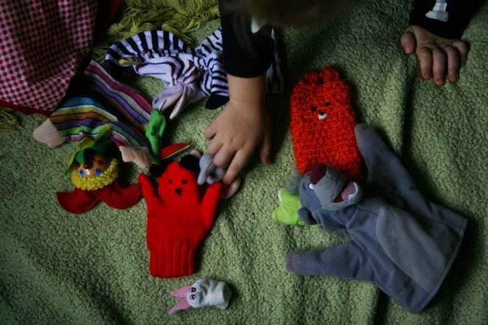 teatrzyk dla dzieci, pacynki, zabawa dla dzieci, zabawki, przechowywanie zabawek, zabawa kreatywna