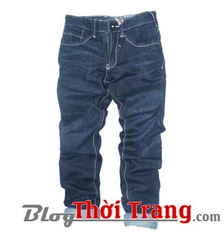 Mẫu quần jean BeJ của Blue Exchange giảm từ 500k còn 150k