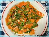 Salmone affumicato con rucola e crostini