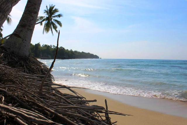 Pantai Palippis Polewali Mandar