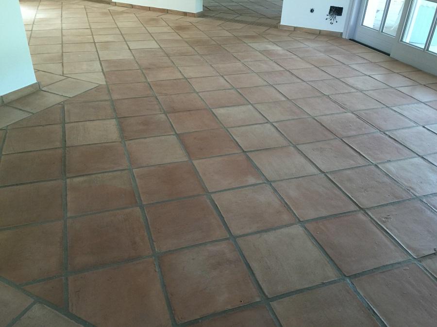 Tratamientos terracota limpieza y tratamiento de suelo de - Limpiar suelos de barro ...