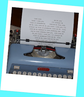 "alt=""typewriter heart printable"""