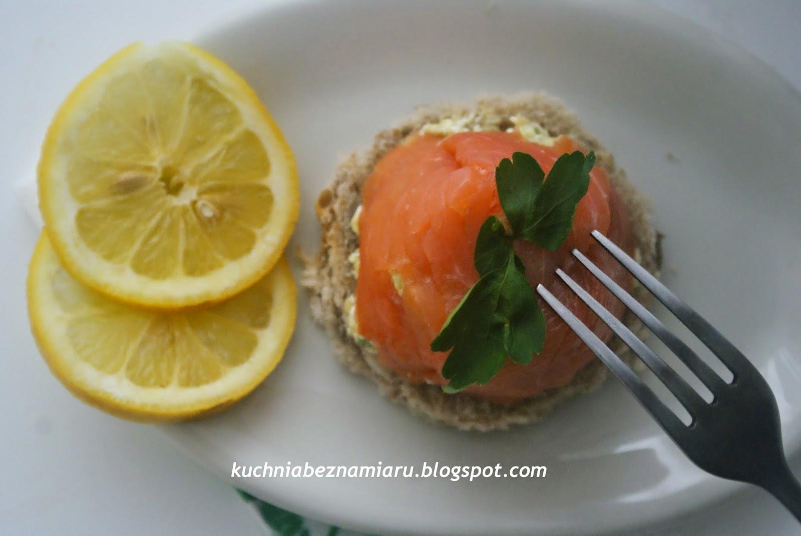 http://kuchniabeznamiaru.blogspot.com/2015/02/jak-zdrowo-wykorzystac-twarog-i-avocado.html