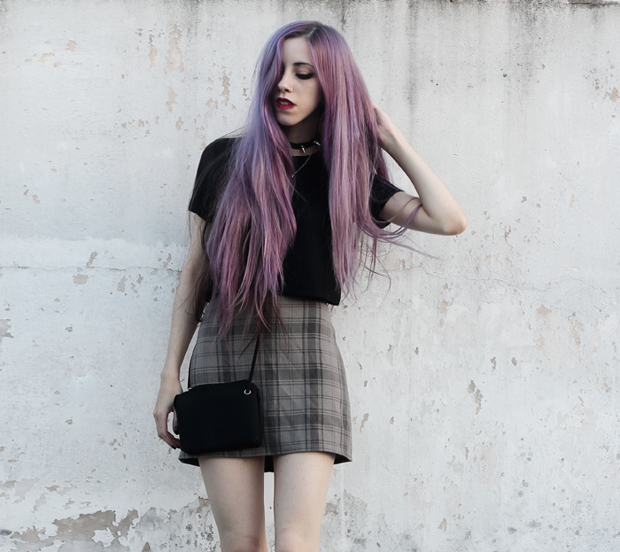 plaid-skirt-black-crop-top-violet-hair