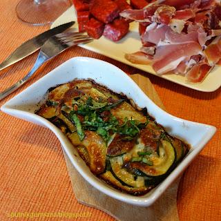 Гратен из кабачков-цуккини с мятой и базиликом