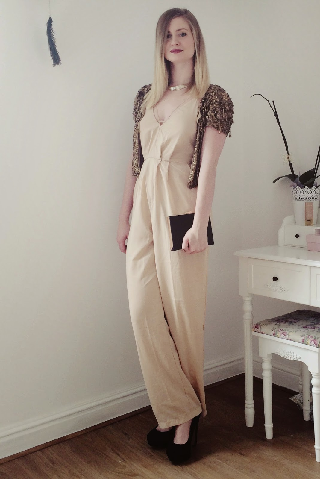 FashionFake, fashion bloggers, UK fashion blog, Christmas outfit, Wonderland Clothing