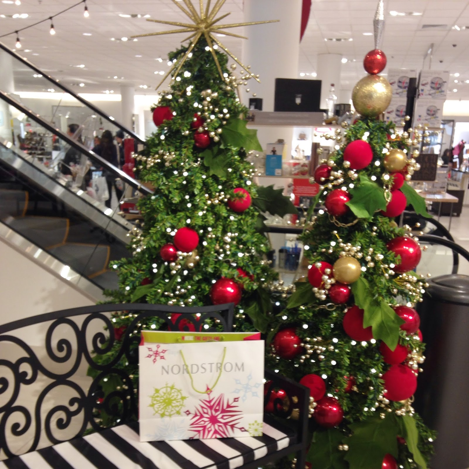 the beautiful christmas decorations dont go up at nordstrom until november 26th