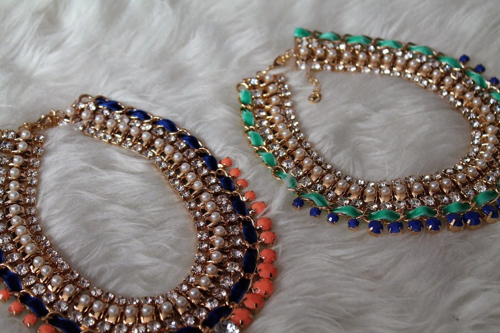 Spring Essentials Frühling Blogger Fashionblogger Österreich Austria Kärnten Carinthia Klagenfrut Wien Vienna Statement Necklaces Pastell Accessoires