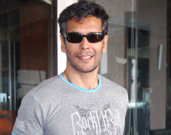 In a short video, milind Soman explains his fitness mantra: no fancy workout, getting the basics right and being conscious of your health is what matters.