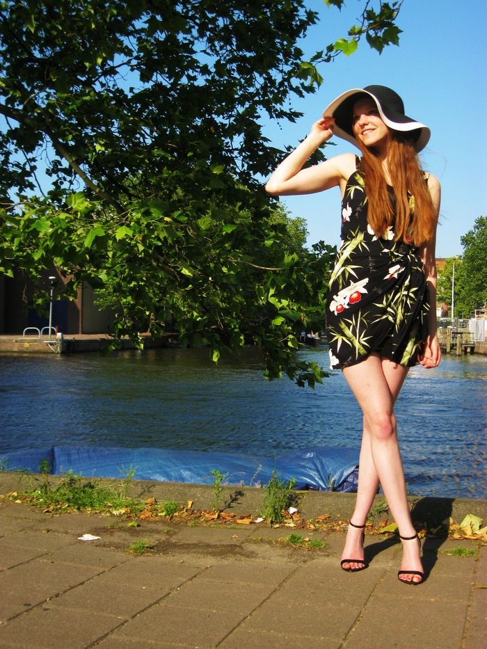 Fashion blogger mode outfit swimming pool zwembad hat hoed amsterdam