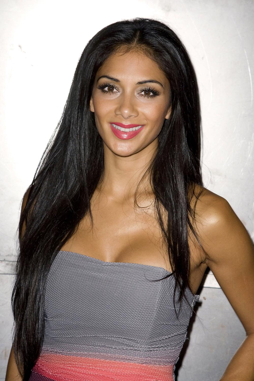 Nicole Scherzinger Long Straight Hairstyles 05