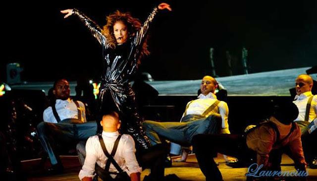 Jennifer-Lopez-Guncang-Jakarta_4