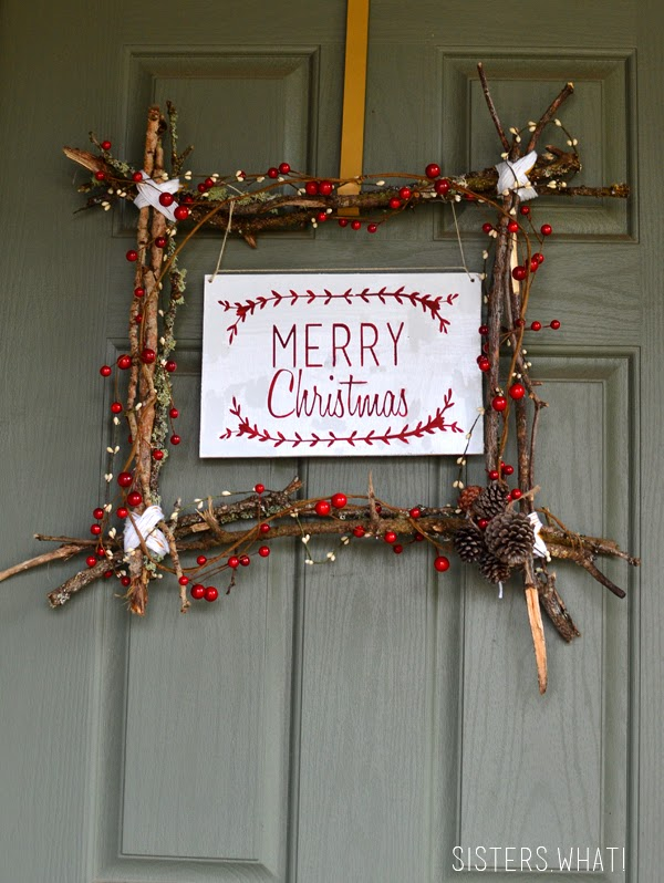 http://www.sisterswhat.com/2014/12/merry-christmas-wreath-and-free.html