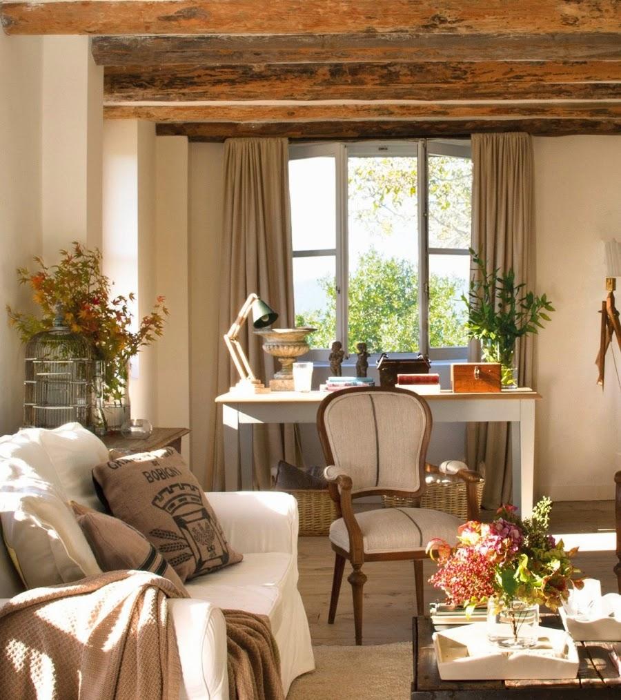 wystrój wnętrz, home decor, wnętrza, aranżacje, dekoracje, meble, dom, mieszkanie, styl rustykalny, styl francuski, szarości, stonowane kolory, salon, pokój dzienny, biurko
