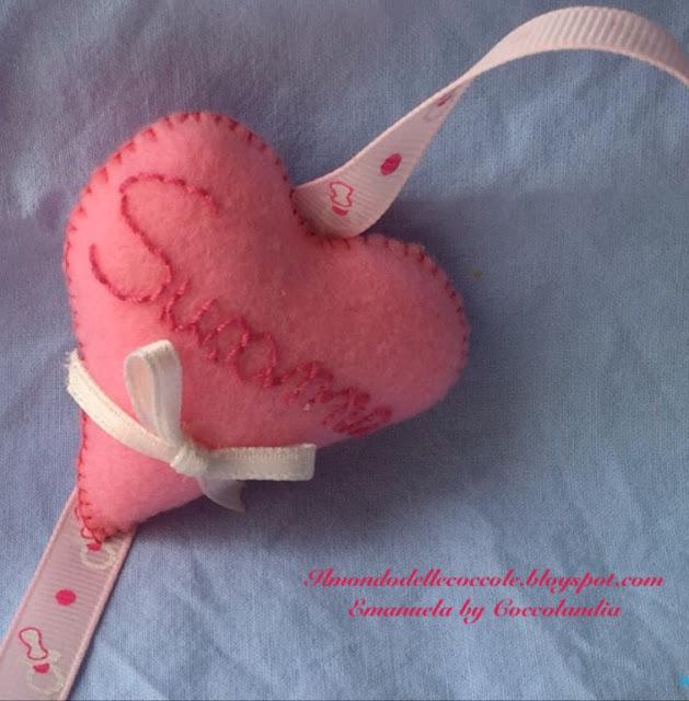 Porta-ciuccio in feltro pannolenci cuore nome ricamato