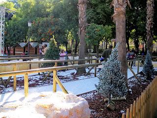 Recorrido por un bosque nevado en la Feria del Hielo de Sevilla