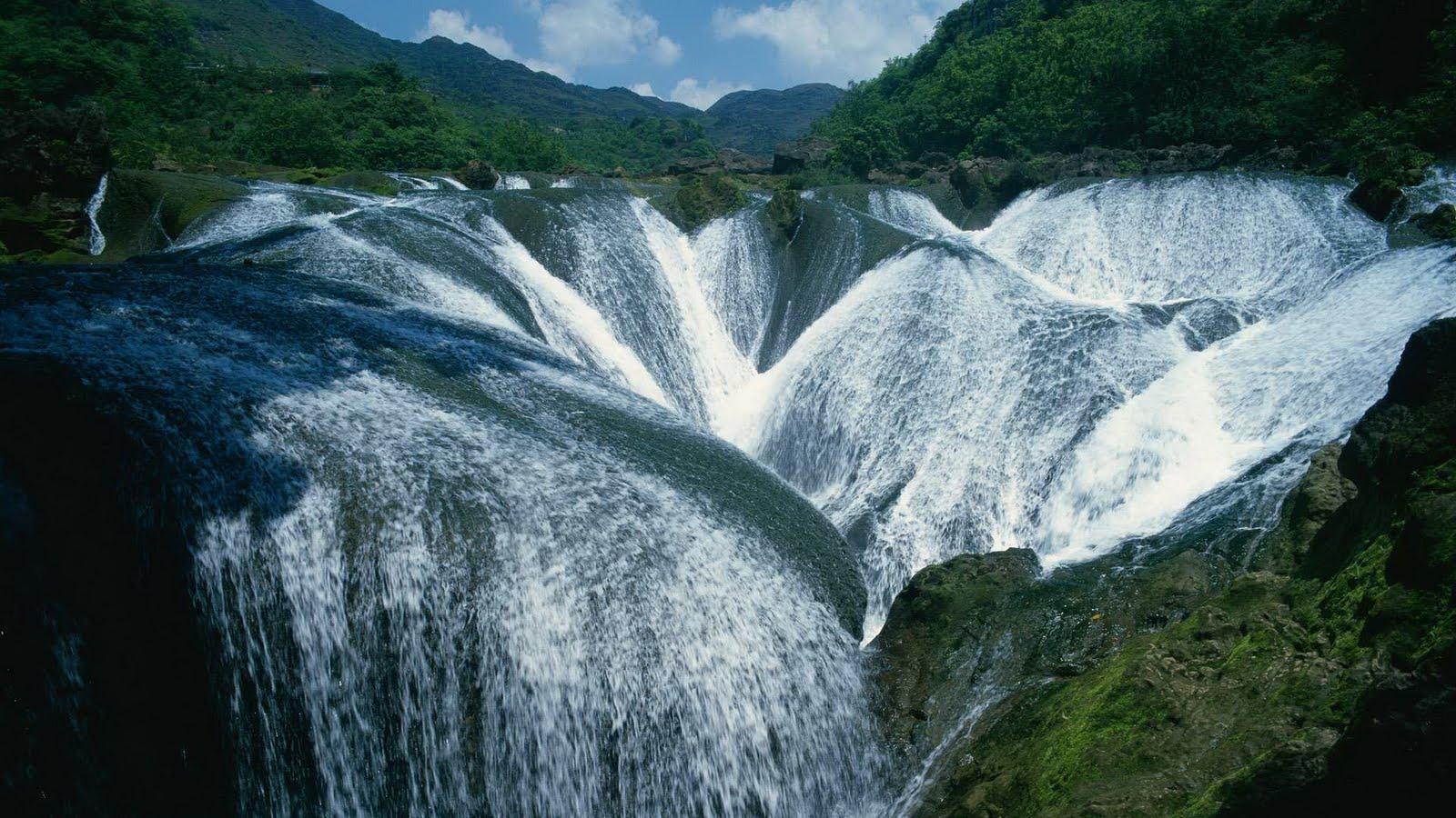 http://2.bp.blogspot.com/-mRMYlZOB8MI/TdOc1dHrnsI/AAAAAAAAO78/_kejcyI0Wz0/s1600/nature-landscape-16.jpg