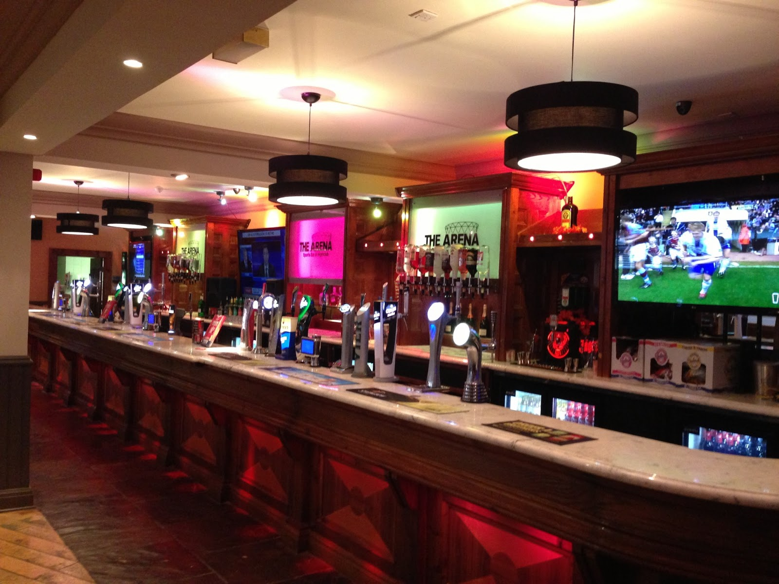 introduction of a sports bar Bar management while on the surface managing a bar may look easy, it's not there is a lot more to having an efficient, controlled and profitable bar than it may appear.