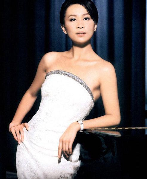 Hong Kong Actress Carina Lau Gallery