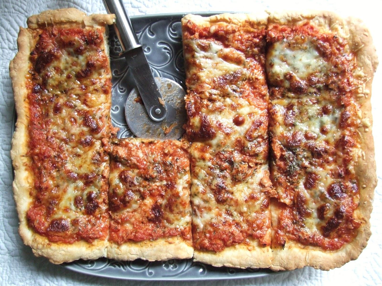 cooking julia pizza au thon. Black Bedroom Furniture Sets. Home Design Ideas