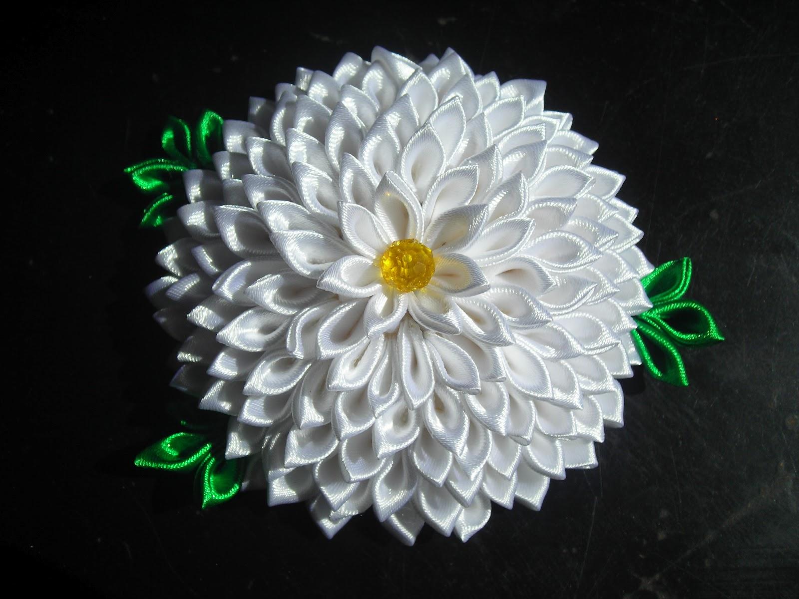 Как сделать канзаши цветок из атласной ленты своими руками пошаговое