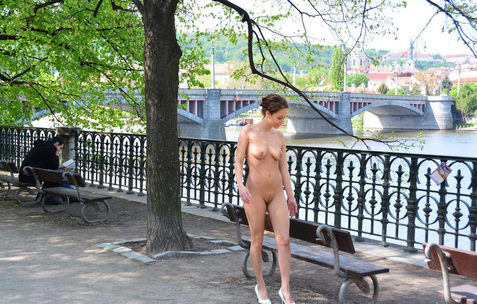 Можно мусолить голая гуляет фото полезное