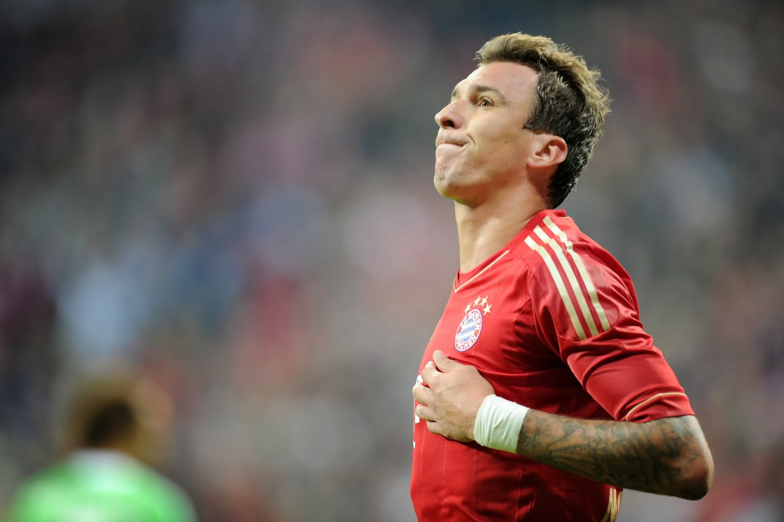 monday transfer gist balotelli wants chelsea move liverpool arsenal after the german side confirmed that robert lewandowski will join the club at the end of the season putting his place in the team under threat