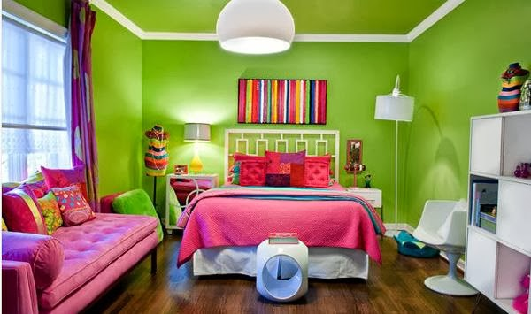 the combination of warm colors and cool makes this retro bedroom look young and fun the kids will like - Funky Bedroom Design