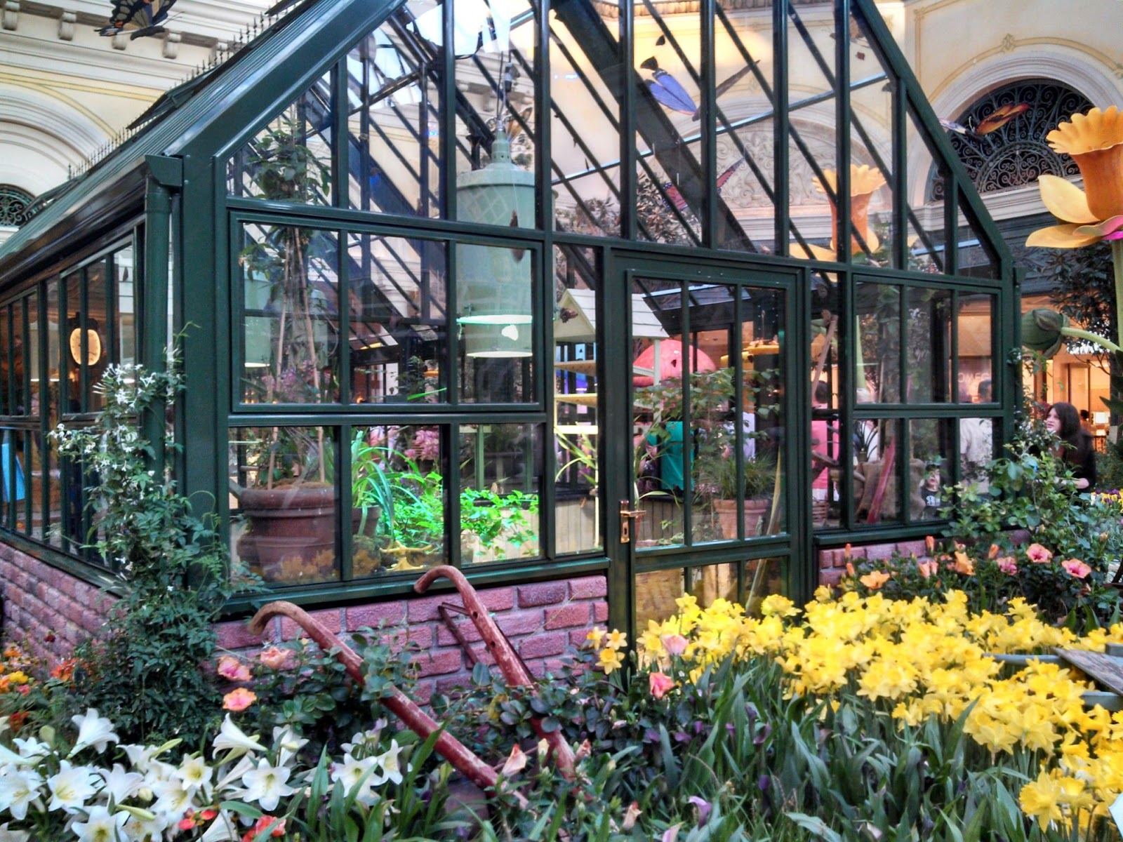 completely indie: inside the bellagio: the indoor garden spring 2013