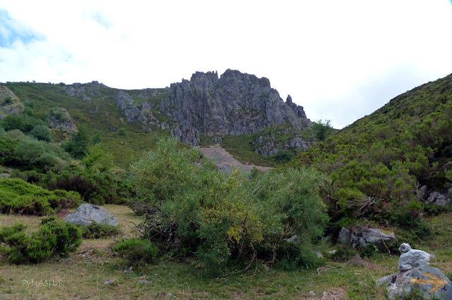 Los Castillones - Ruta del Gumial