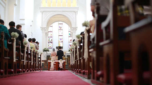 A Singapore-based wedding videographer