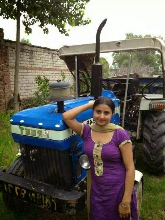 Beautiful Punjabi Village Kudiyan Photos In HD