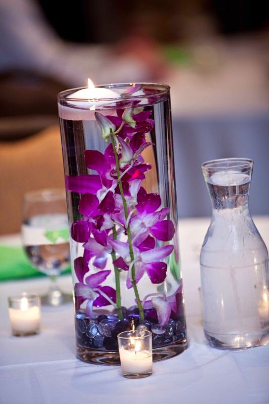 Simple Orchid Centerpiece : Submerged display for wedding orchids centerpieces