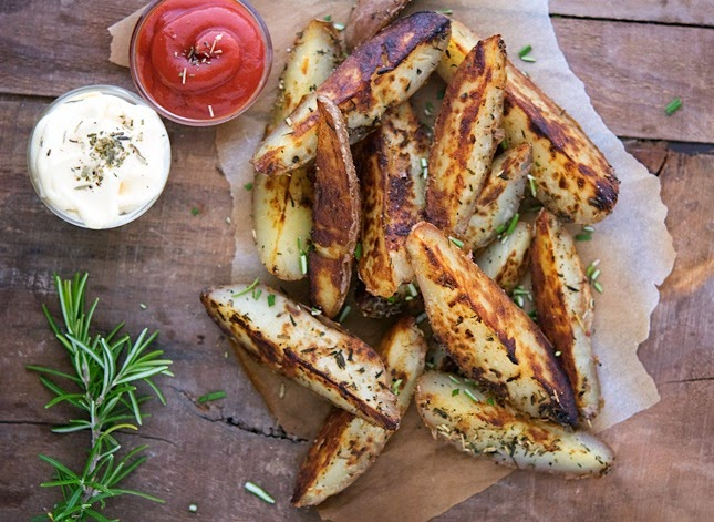Boston Market Dill Potato Wedges with Rosemary Aioli